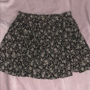 Brandy Melville daisy skater skirt